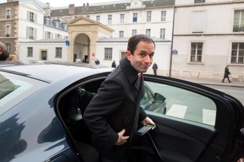 NEWS : Point presse Hamon - Hidalgo sortie visite Hopital - Paris - 11/02/2107
