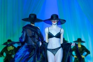 Defile exceptionnel Lingerie mon Amour la lingerie Francaise Championne d Europe au Pavillon Cambon
